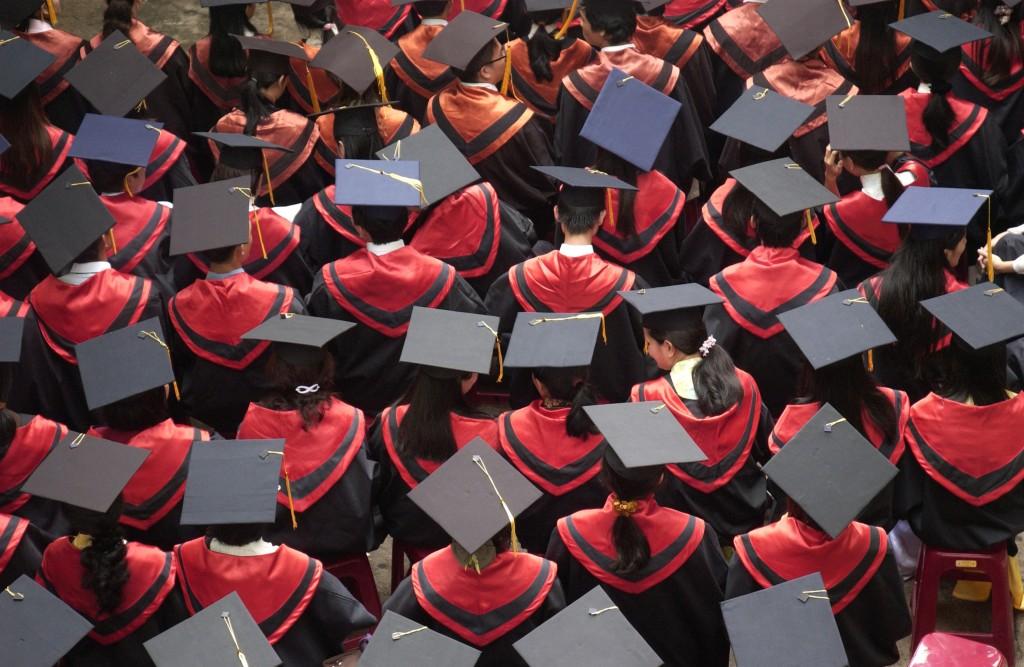 Sinh viên tốt nghiệp