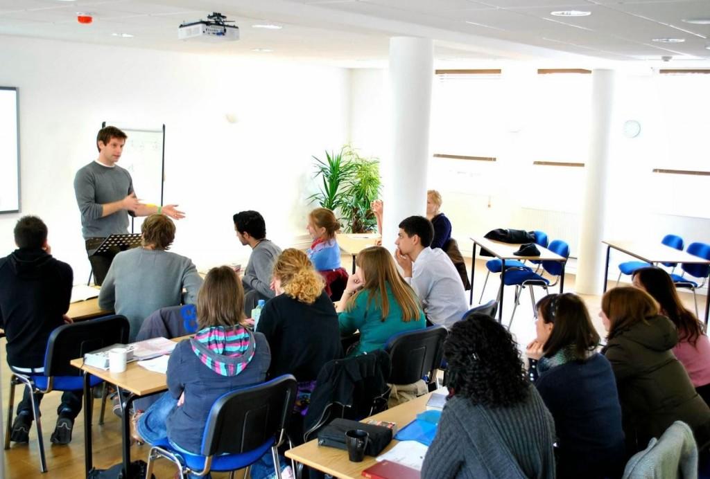 Học tiếng Anh chất lượng cho sinh viên quận Tân Phú